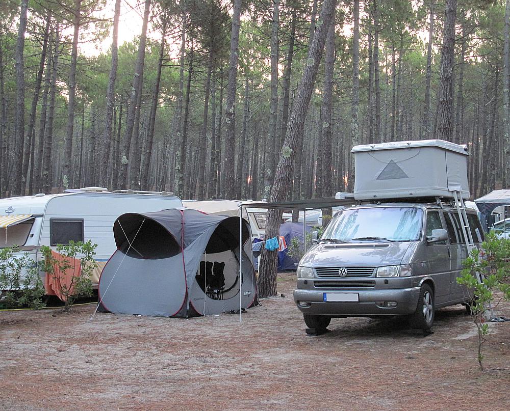 t4 multivan mit zeltdach oder t5 caravelle mit. Black Bedroom Furniture Sets. Home Design Ideas